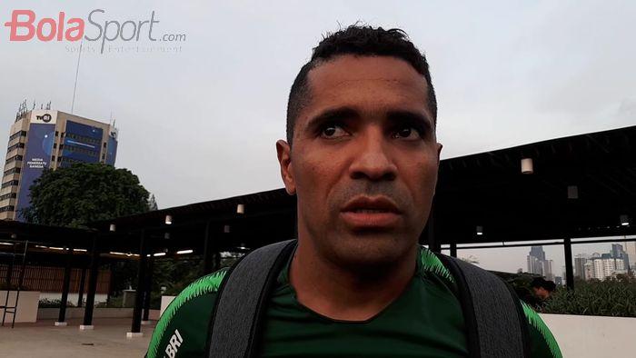 Alberto Goncalves alias Beto saat menjawab pertanyaan wartawan di Lapangan G, Kompleks Gelora Bung Karno, Jakarta, Jumat (15/11/2019).