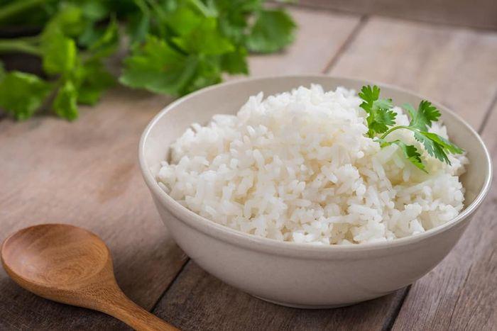 Menurut para periset, nasi putih dapat memudahkan diet