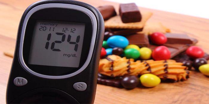 Makanan dengan kadar gula tinggi
