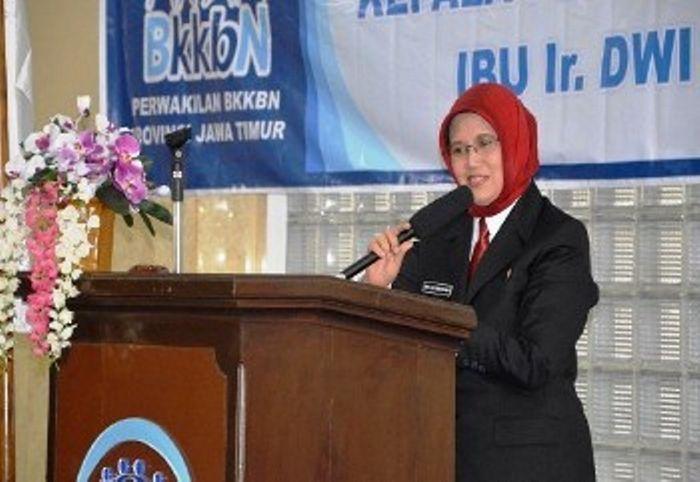 Deputi Bidang Keluarga Berencana dan Kesehatan Reproduksi BKKBN, Dr. Ir. Dwi Listyawardani, M.Sc, Dip.Com.,