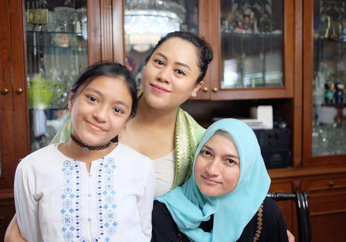 Alleia Ananta Irhan, Adik Sarah Amalia, dan Sarah Amalia