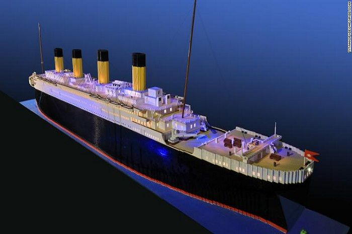 Replika Titanic dari Lego milik Brynjar