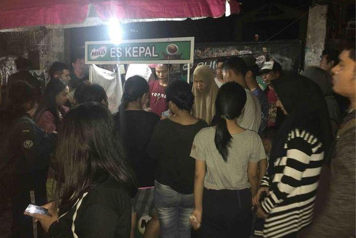 Suasana lapak Es Kepal Milo milik Arini di Jalan Raya Kebayoran Lama, Jakarta Selatan.