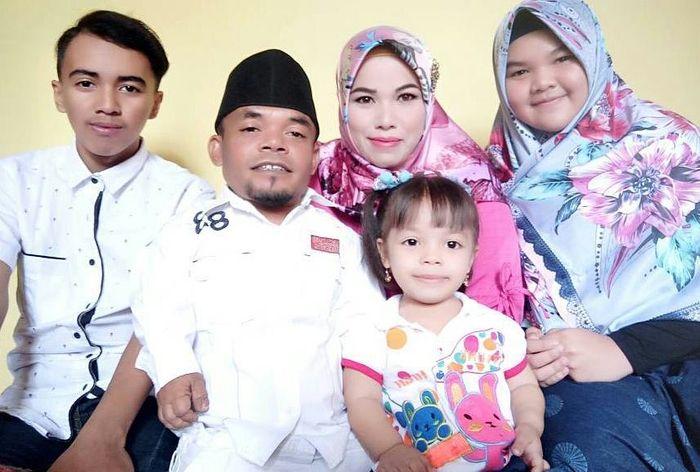 Ucok baba dan keluarga
