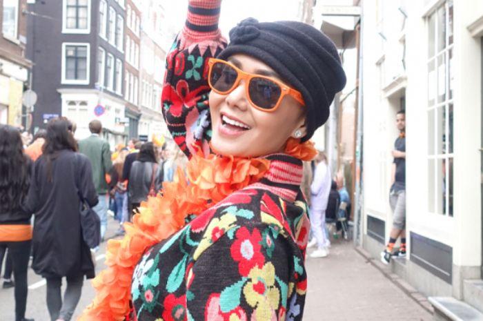 Intip Gaya Modis Yuni Shara dengan Berbagai Model Topi yang Super Catchy!
