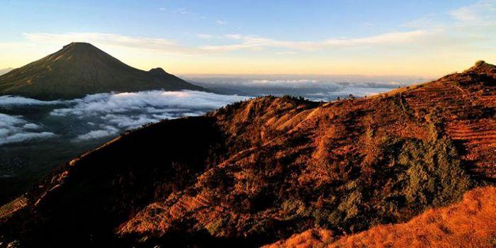 Gunung Merapi Meletus 4 Gunung Di Jawa Tengah Ini Bisa Untuk Didaki Semua Halaman Hai
