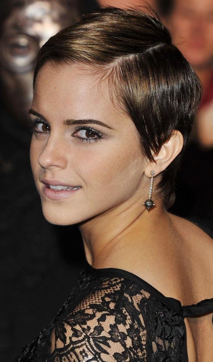 Gaya rambut sleek pixie ala Emma Watson