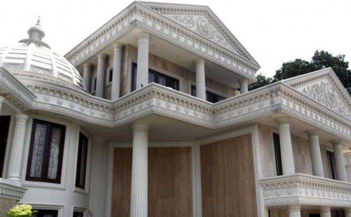 Rumah Anang dan Ashanty dilihat dari depan (Grid.ID)