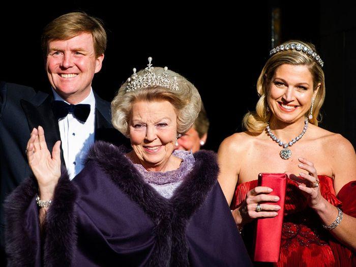 Ratu Beatrix, Belanda