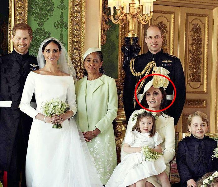 Senyum Kate terpaksa?