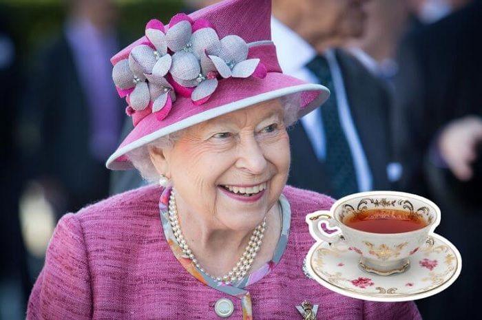 Ratu Elizabeth minum teh