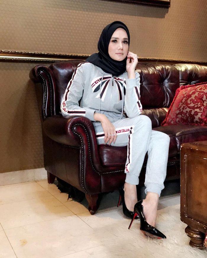Mulan Jameela mantap untuk tampil berhijab.