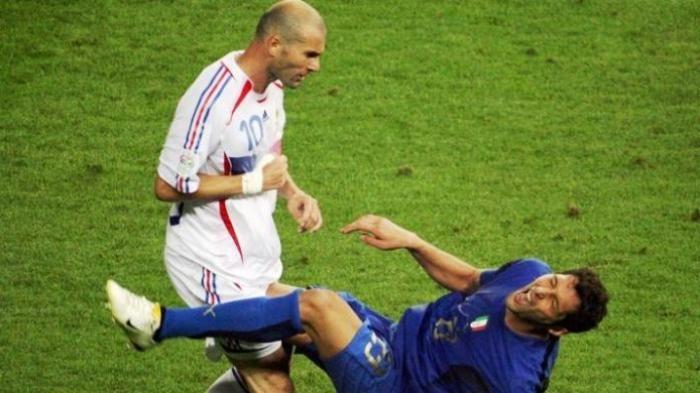 Zidane menanduk Materazzi