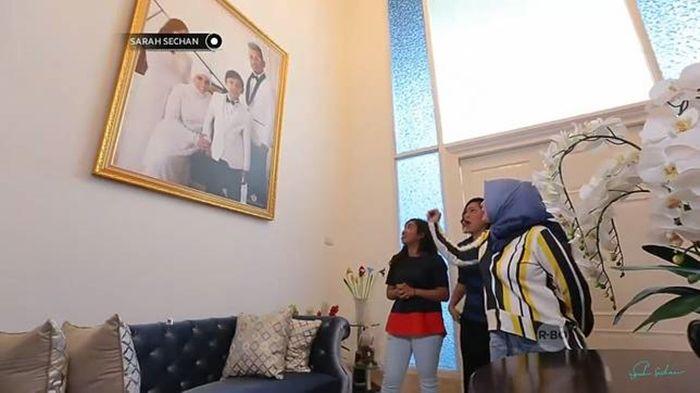 Intip Isi Rumah Bergaya 'American Classic' Milik Uya Kuya