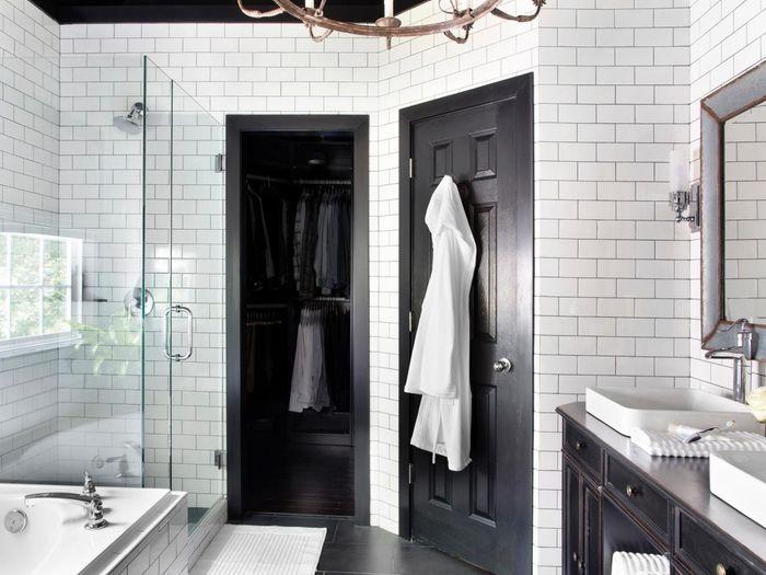 sekat kaca pada kamar mandi |  dok. enddir.com