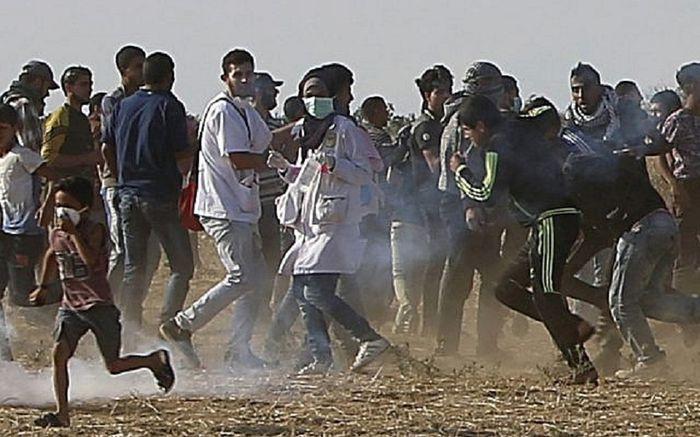Razan berada di tengah-tengah massa sebelum ditembak