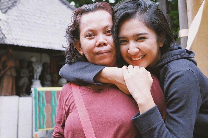 Mikha Tambayong dan Mbak Imah