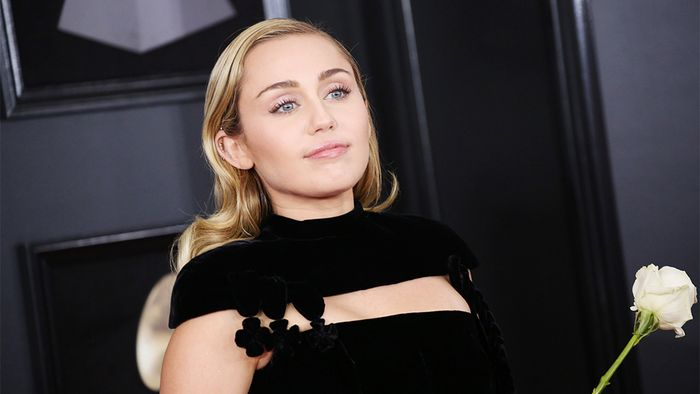 Mandatory Credit: Photo by Matt Baron/REX/Shutterstock (9336013zt) Miley Cyrus 60th Annual Grammy Aw