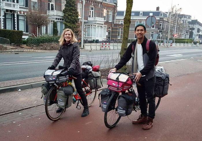 Diego Yanuar dan Marlies melakukan perjalanan dari Belanda ke Indonesia