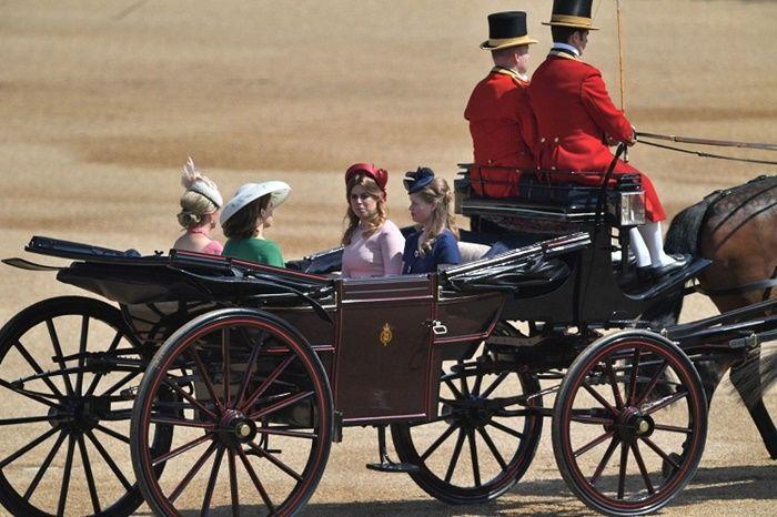 Sophie, Putri Eugenie, Putri Beatrice, dan Lady Louise Windsor