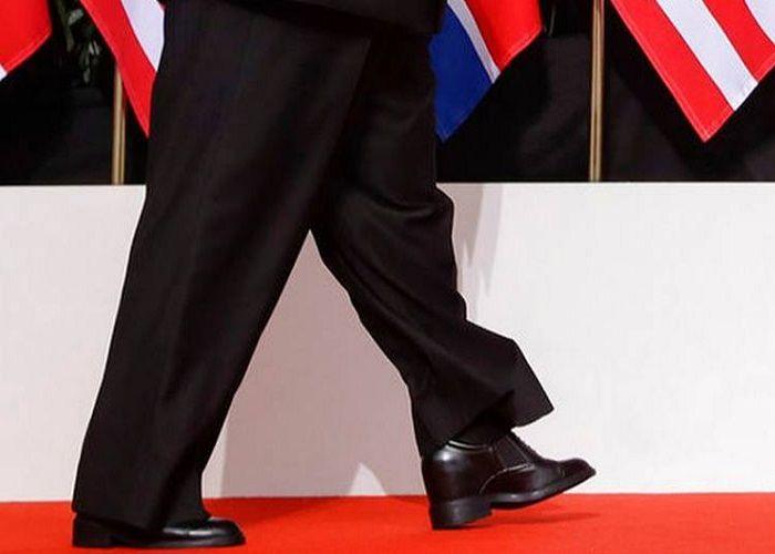 Kim dengan sepatu hak nya