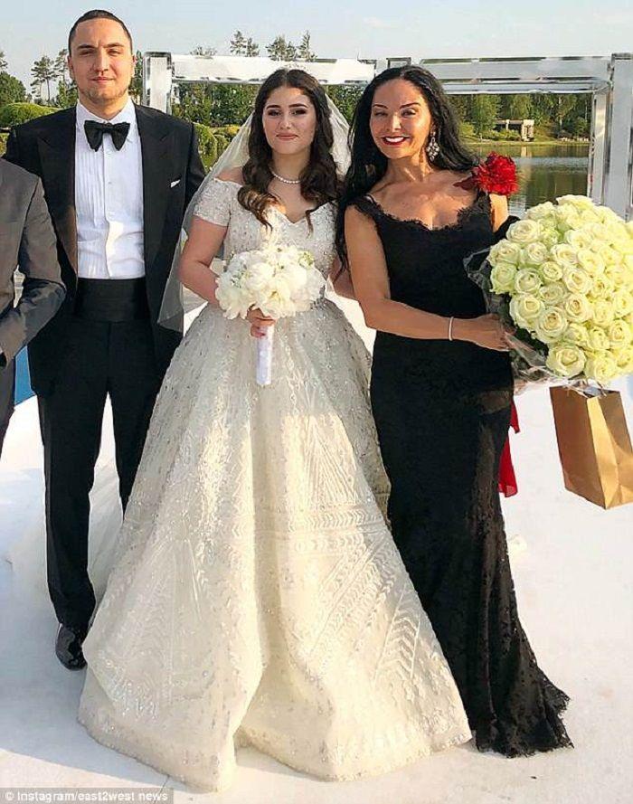 Irina dan Moris Mirelli, suami