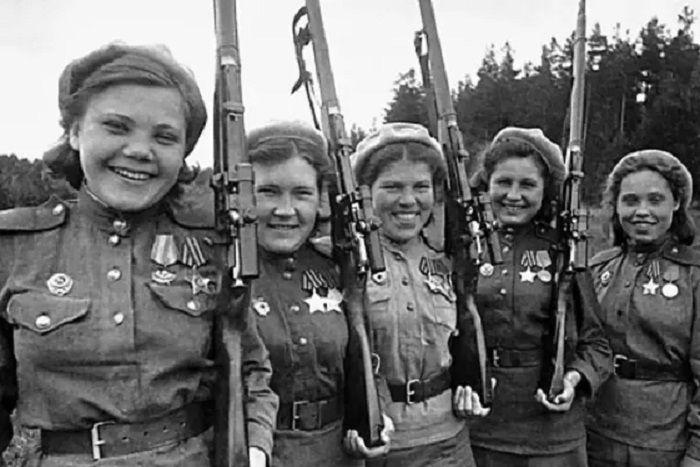 Rusia menghasilkan salah satu penembak jitu terbaik dalam perang, Lyudmila Pavlichenko