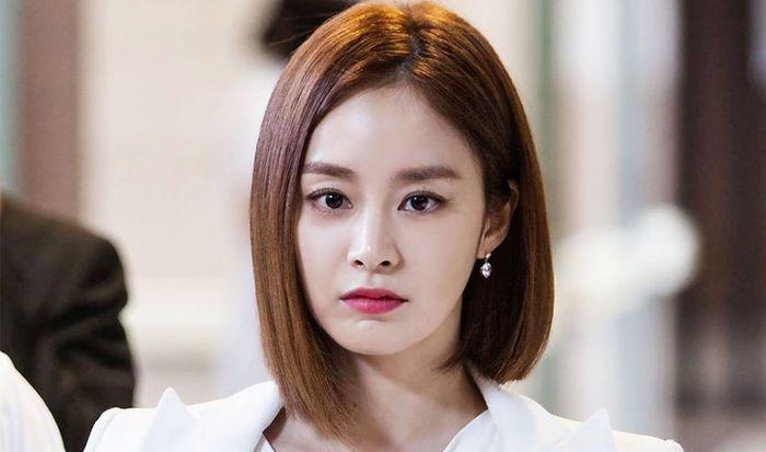 10 Seleb Cewek Korea dengan Model Rambut Long Bob. Mana