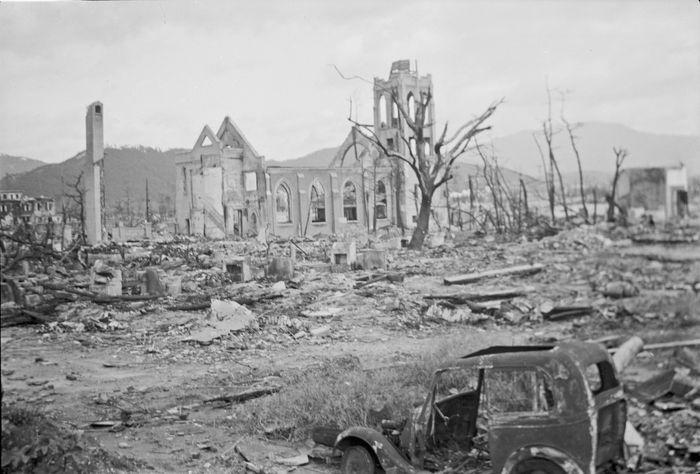 Foto kota Hiroshima setelah di Bom Atom
