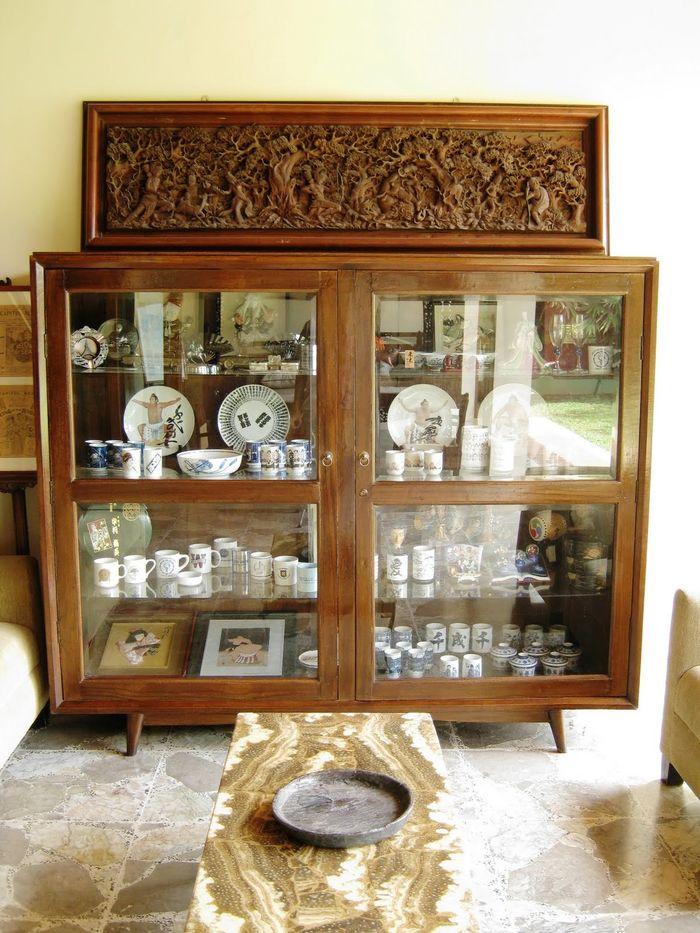 lemari porselen | dok. tokobarangantik.blogspot.com
