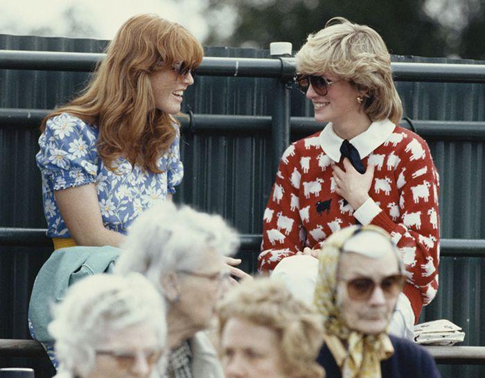 Sarah Ferguson dan Putri Diana saat berada di Sirkuit Polo