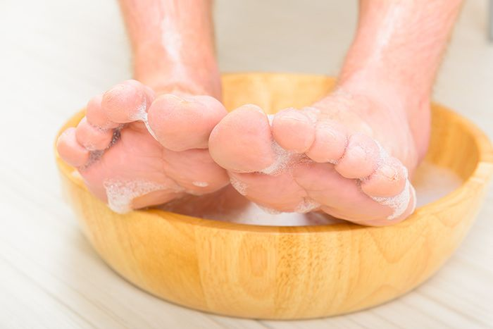 mencuci kaki