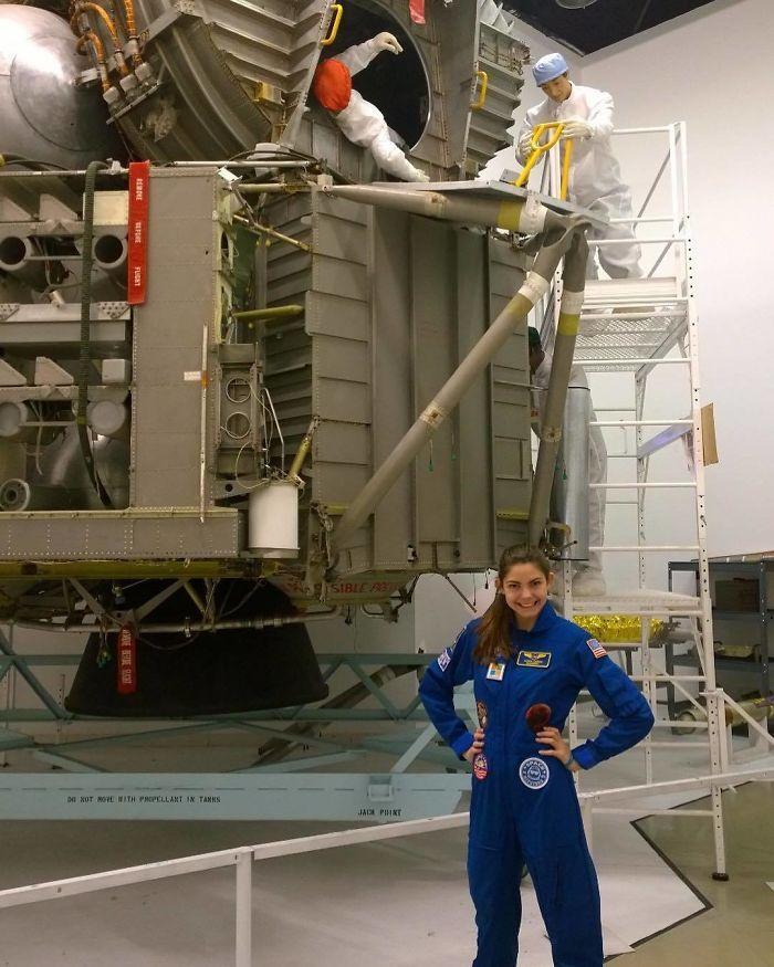 Allysa Carson saat training di NASA