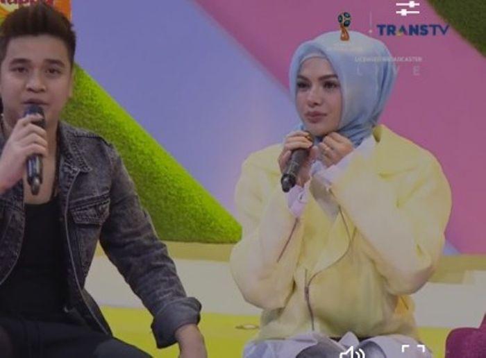 Nikita Mirzani mulai syuting dengan hijab