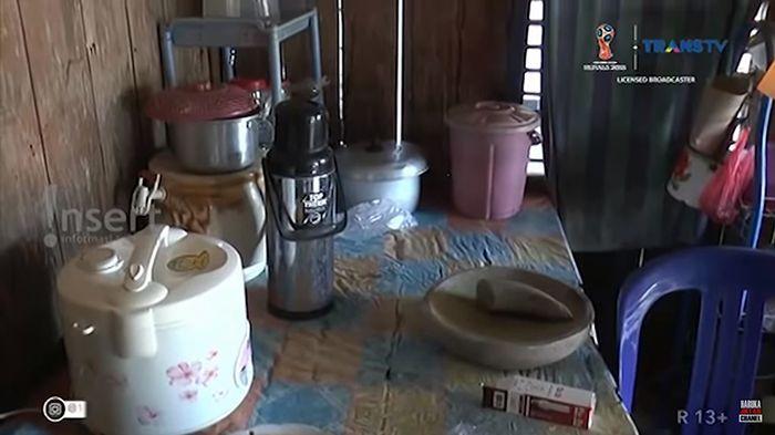 Peralatan Masak di Rumah Zohri