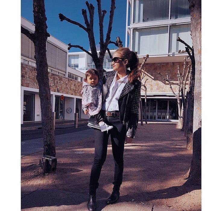 Acha Septriasa dengan Rider Leather Jacket