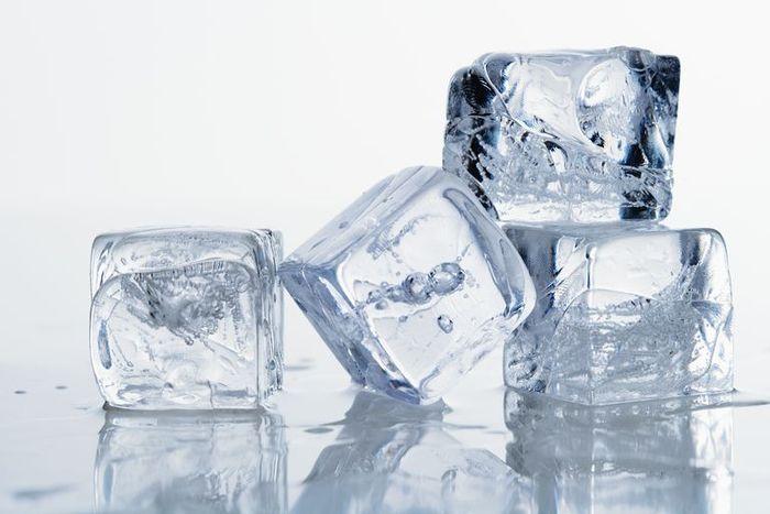Es batu untuk jerawat