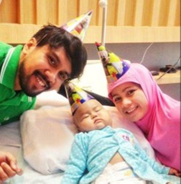 Fajar Arifan, istri dan putrinya