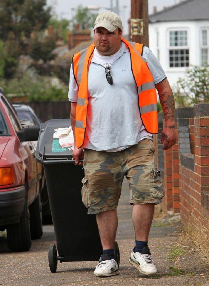 Michael Carroll saat menjadi tukang sampah