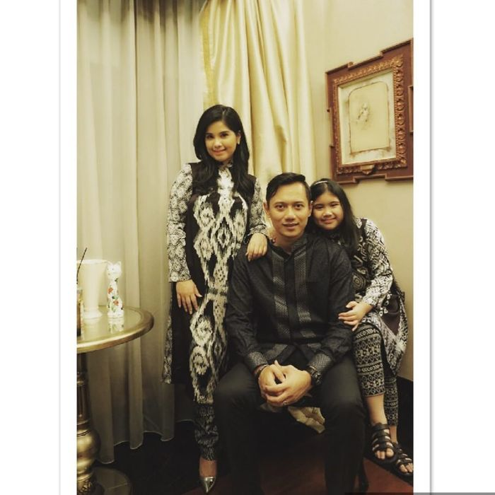 Annisa Pohan dan Keluarga