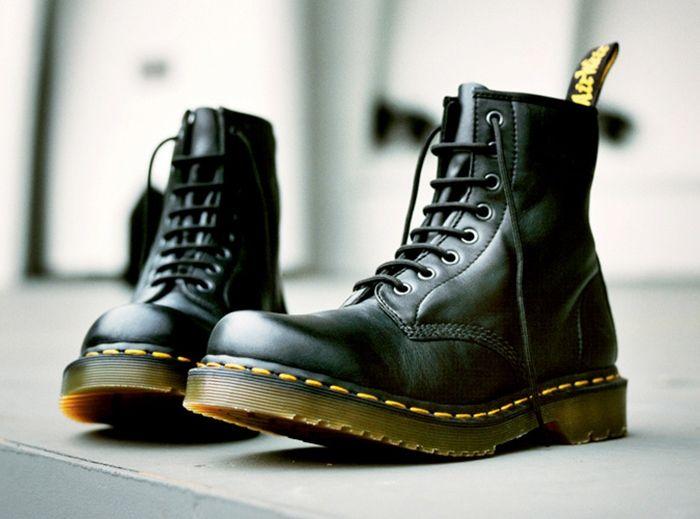 7 Sepatu yang wajib dikoleksi cowok
