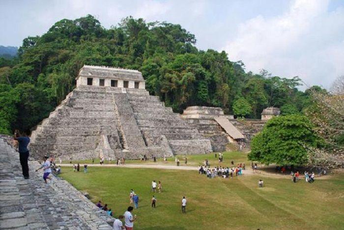 Kuil XIII di Palenque, Chiapas, Meksiko.