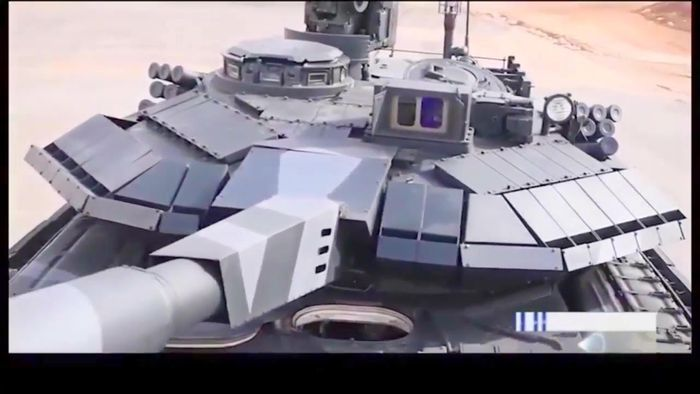 Lapisan baja ERA pada tank Karrar