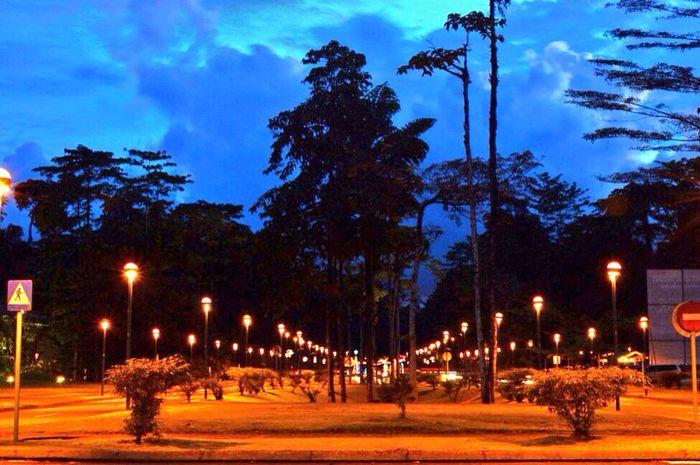 Kuala Kencana di malam hari