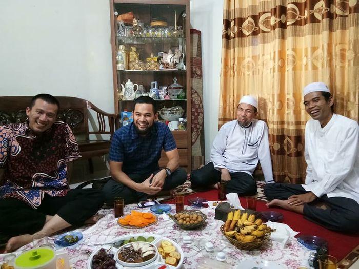 Ruang tamu di kediaman Ustadz Abdul Somad