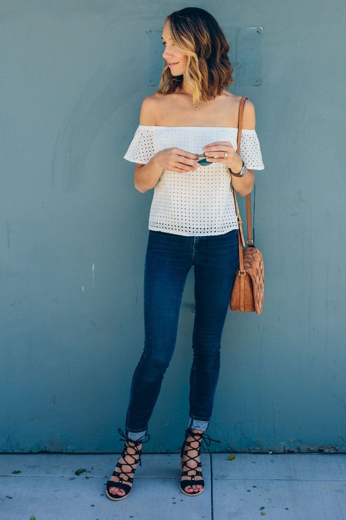 off shoulder + jeans