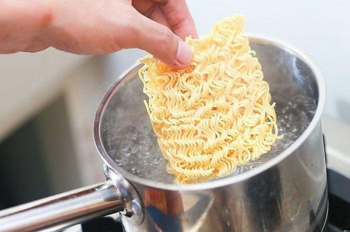 Cara memasak mie instan yang tepat