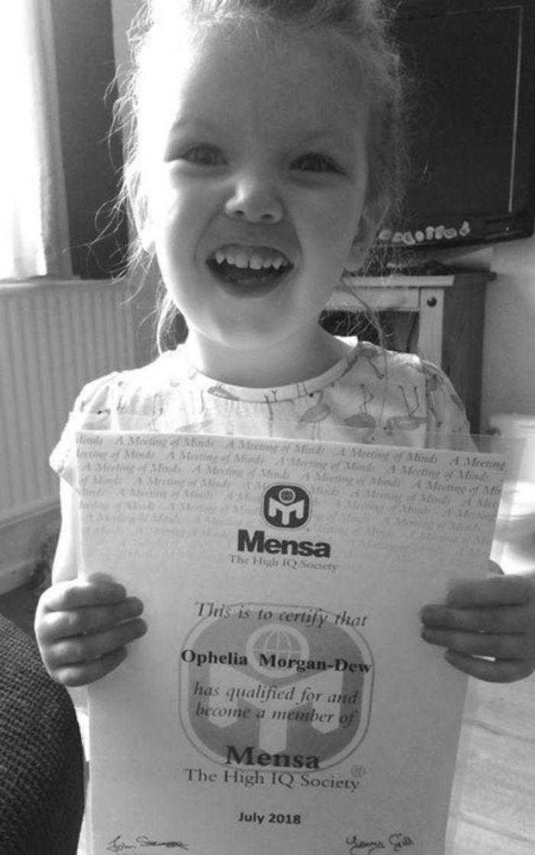 Ophelia menjadi anggota termuda dari Mensa