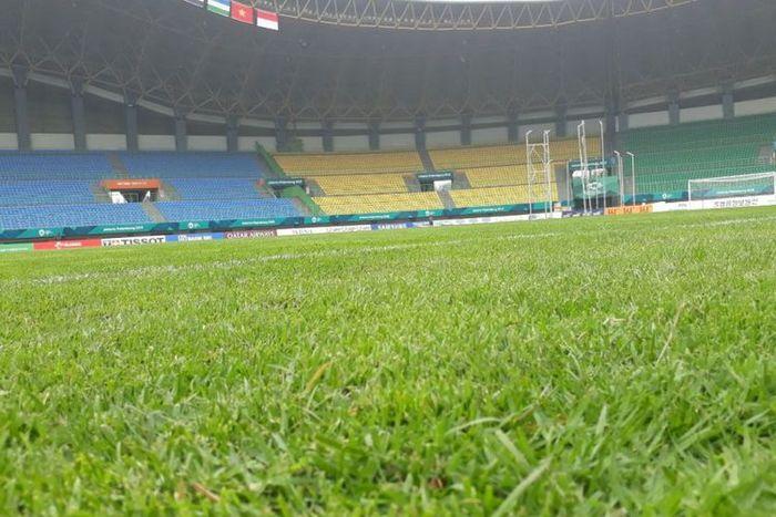 Rumput stadion sudah diganti
