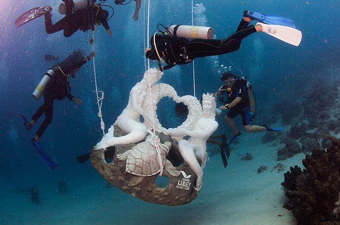 Patung Mermaid di Taman Nasional Bunaken